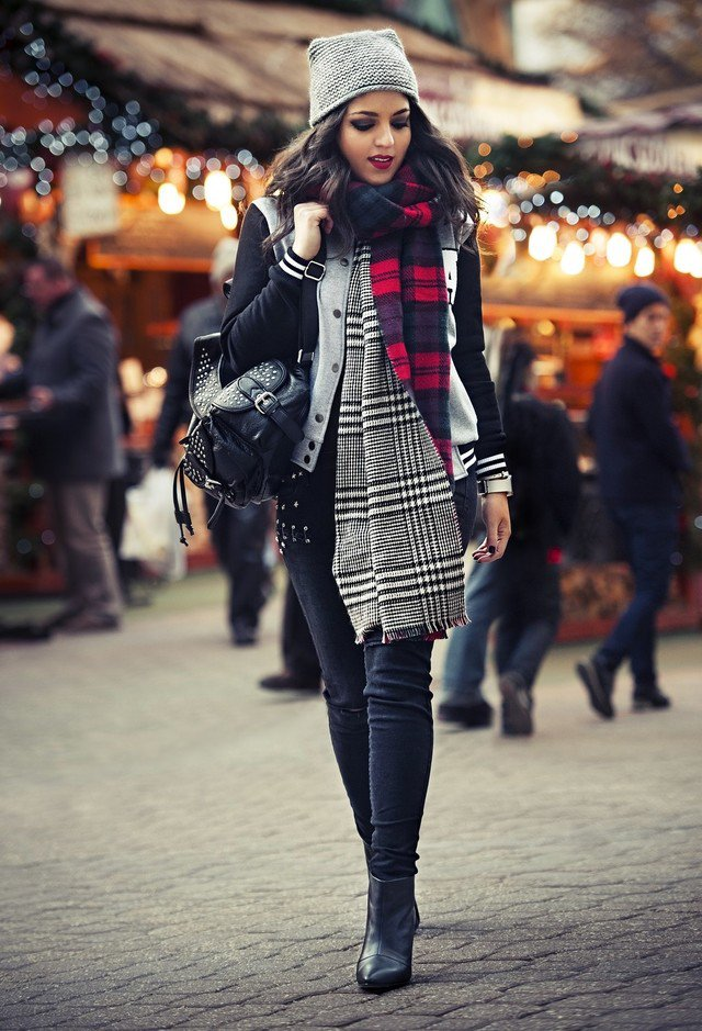 winter-outfit-idea-with-plaid-scarf.jpg