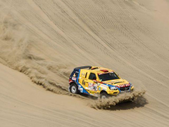 Kemény vasárnap volt a Dakar rallyn