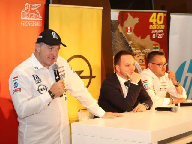 Szalayék rajthoz állnak a 40. Dakar-ralin!