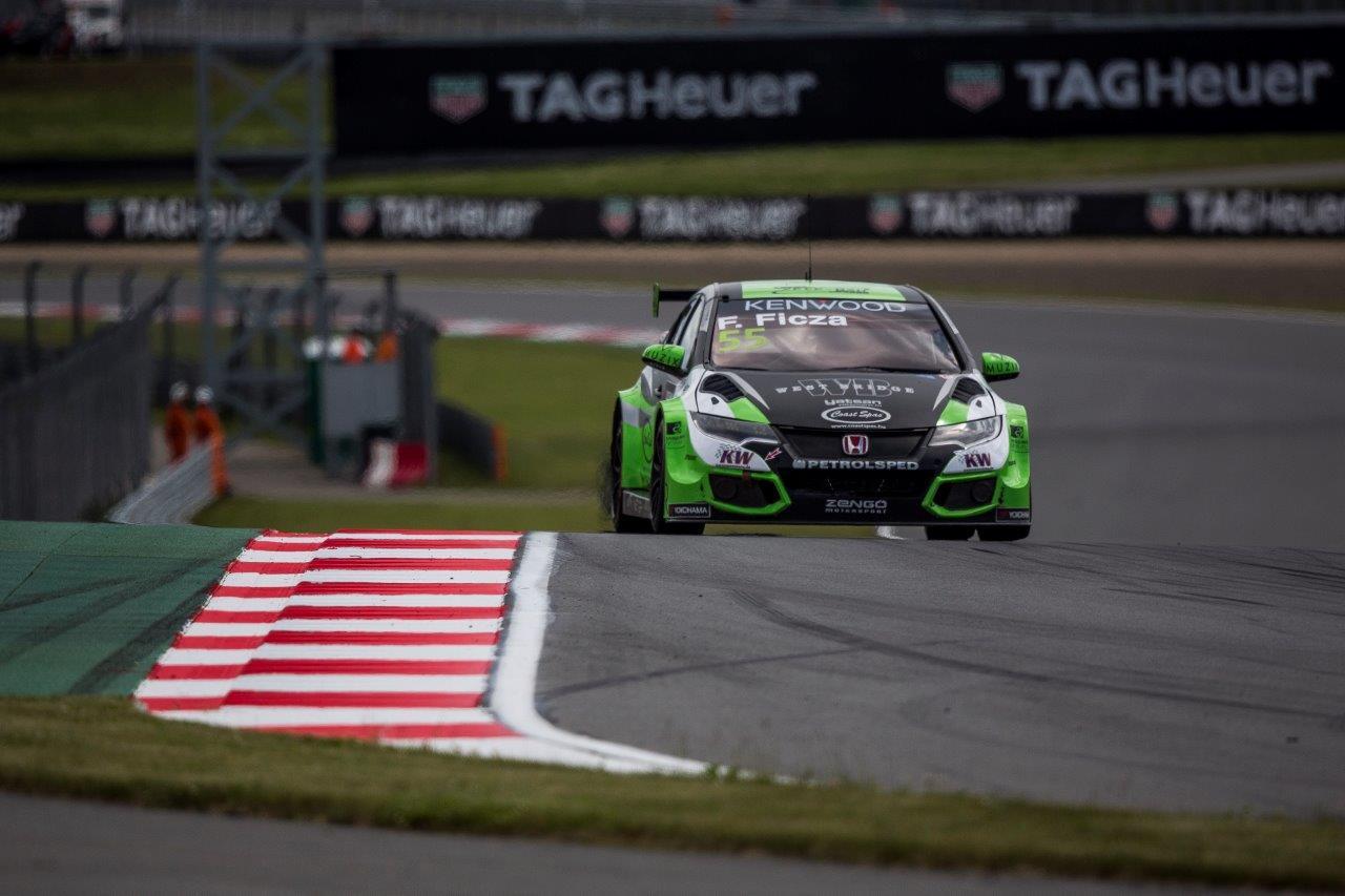 Francia versenyzővel erősít a Zengő Motorsport