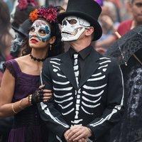 James Bond inspirálta az első Halottak napi felvonulást Mexikóban