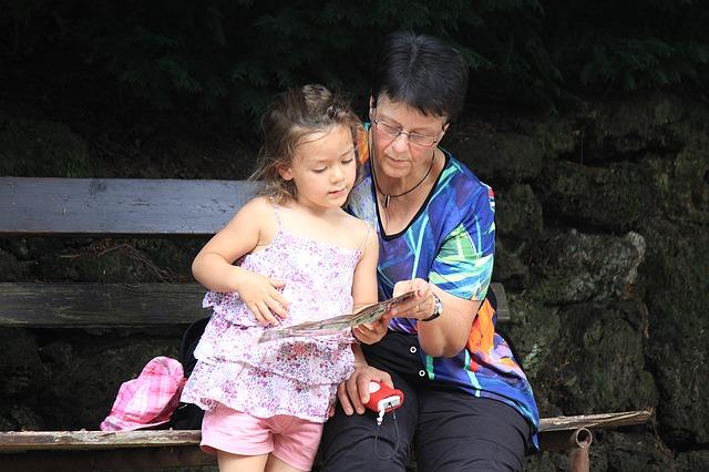 grandma-1421329_640.jpg