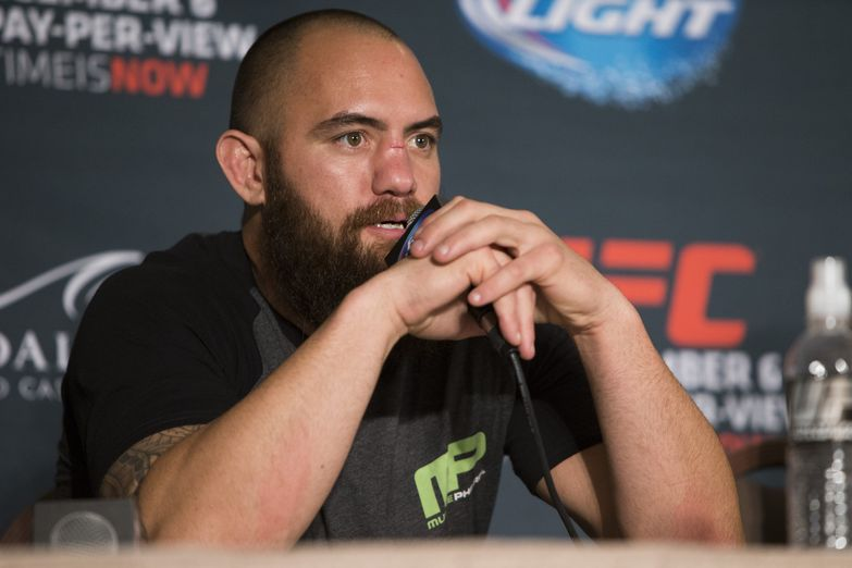 021_travis_browne_0_0.jpg