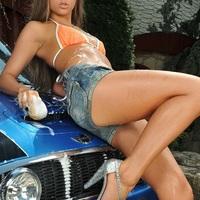 Angol lány magyar kocsit mos