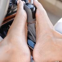 Mercedes és csupasz lábak - 2.