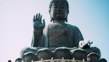MI AZ A BUDDHISTA BOLDOGSÁG NAPTÁR?