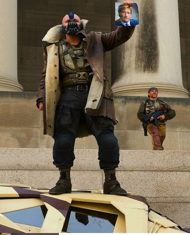 The-Dark-Knight-Rises-Bane-Harvey-Dent-Photo.jpeg