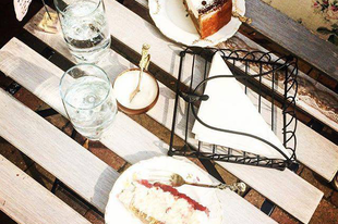 Asztalka cukrászda