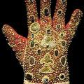 Kesztyűs kézzel (1.)