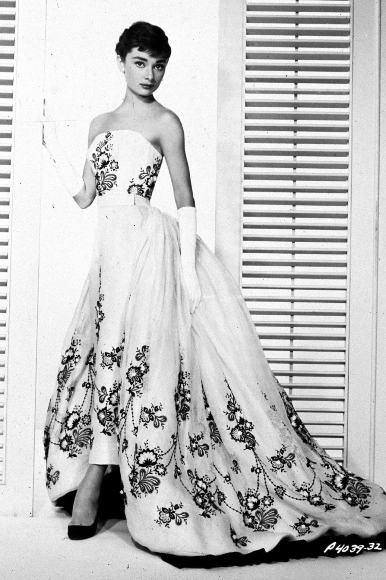 audreyhepburn_sabrina_givenchy-ballgown_1954_pr.jpg