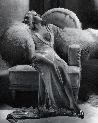 jeanharlow_dinnerateight_1933.jpg