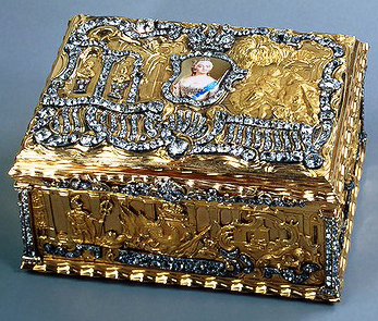 snuff-box_empress-elizabeth_stpetersburg_end1750s.jpg