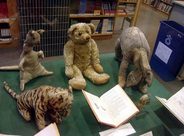 the_original_winnie_the_pooh_toys.jpg