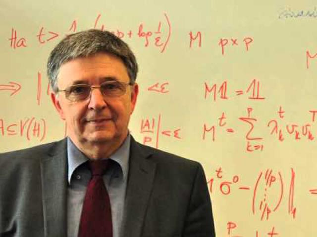 Lovász László matematikus, az MTA elnöke