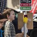 Hasznos tippek, hogy gyermeked még nagyobb biztonságban keljen át az úttesten