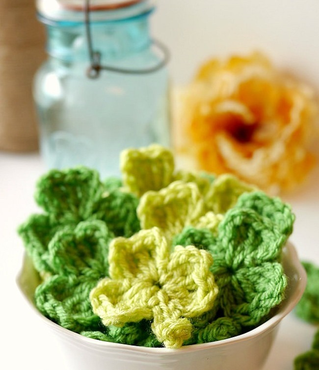 crochet-shamrock-pattern-create-a-st_-patricks-day-banner-l-everythngetsy_com_thumb.jpg