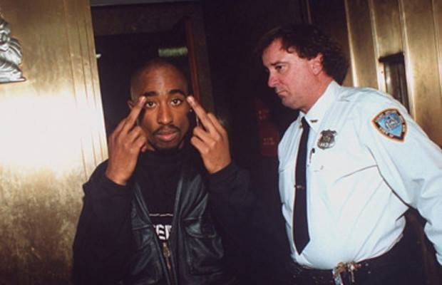tupac-1994-arested.jpg