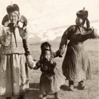 Anyák napi időutazás a világ körül