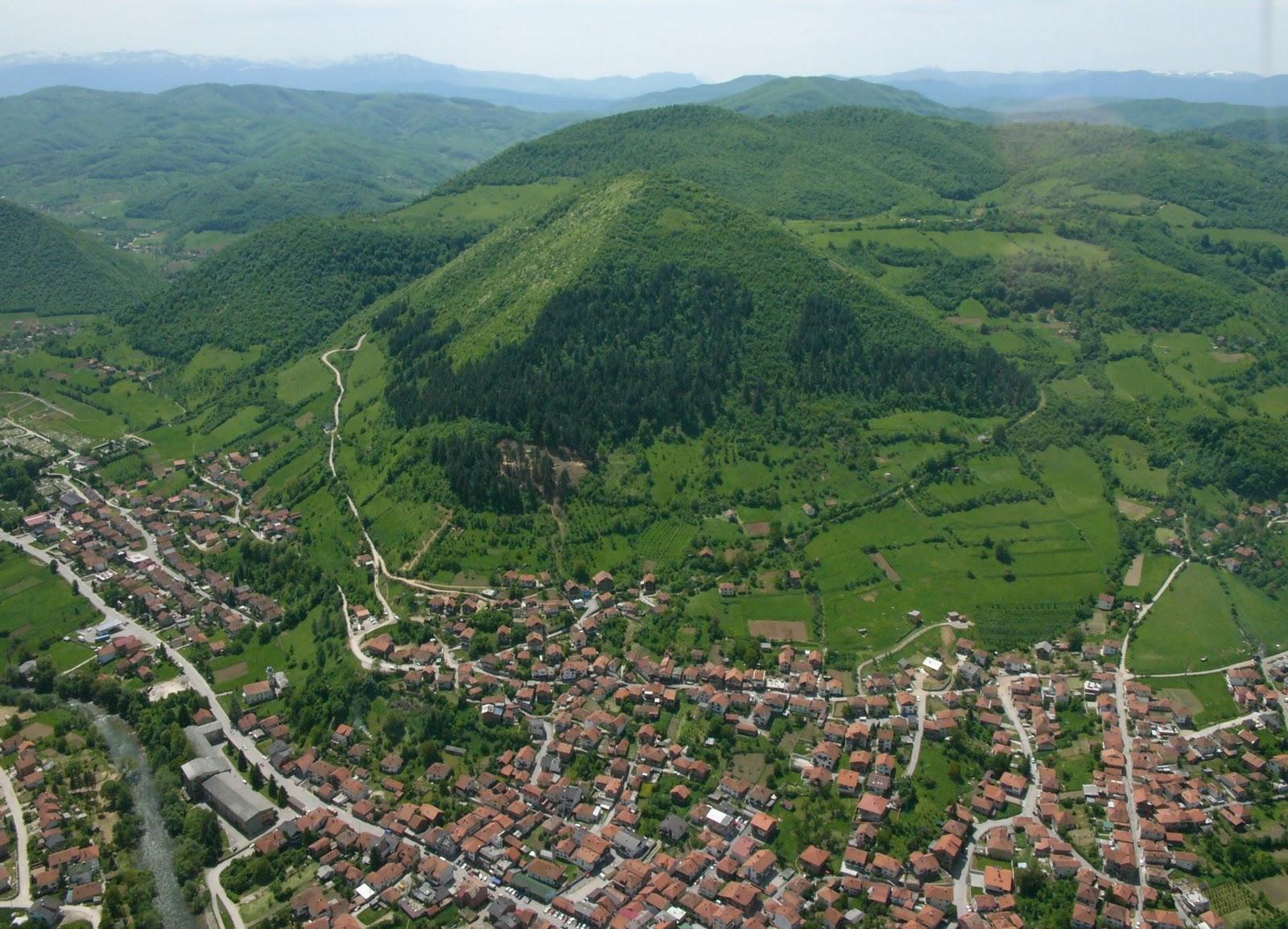 A boszniai piramisjáték
