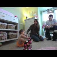 Videó egy nagyon cuki kisgyerekről és a mosható pelusokról
