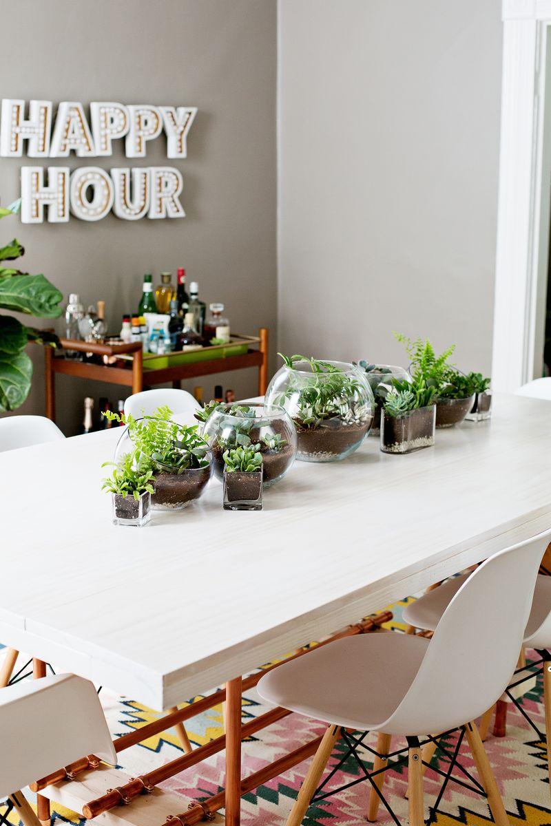 Egyedi és roppant ötletes megoldás egy kis modern sziklakert kialakítása. A növények egyénileg is mozgathatók és áthelyezhetők. Nem mellesleg házilag is elkészíthető!
