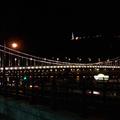 Breaking news: kivilágították az Erzsébet hidat!