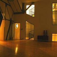 Belső négyszintes loftlakás a Fegyvergyárban. Ferencvárosi Verne-életérzés