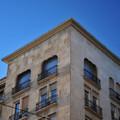 Örömhír: eredeti állapotában állítják helyre a megbontott homlokzatot a Kossuth téren
