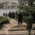 Bukarestben forgatták a Budapesten játszódó filmet. A Lánchíd környéke elég fura a Walking with the enemy trailerében