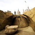 Módosítják a Kossuth tér átépítésének terveit. Olyan épületmaradványokat találtak, amelyeket meg kell menteni