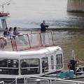 Kalózlobogóval jár a BKK hajója a Dunán