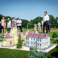 A legszebb Ybl-kastély makettjét avatták fel ma Szarvason. Jól néz ki!