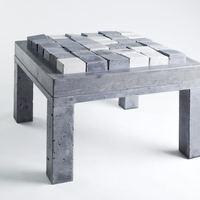 Ékszerektől a puhabeton-székig; elképesztően menő kreatívkodás betonból. A BETON kurzus és workshop kiállítás megnyitója ma az URIMURI-ban