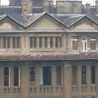 Védett épület homlokzatbarmolása