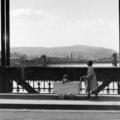 A felrobbantott régi Erzsébet híd egy darabja ma is hídként funkcionál. Igaz nem Budapesten...