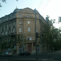 Egy ház a Bajcsyn, aminek csak a harmadát újították fel