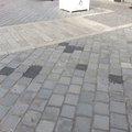 Aszfalttal foltozták be a tavaly átadott óbudai promenád díszburkolatának foghíjait
