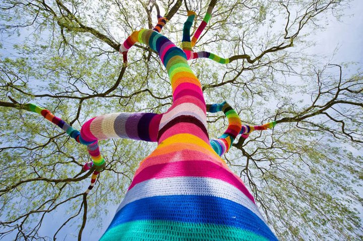 yarn-bombing-1[1].jpeg