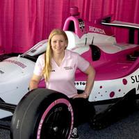 Pippa Mann nemes célért fog küzdeni az Indianapolis 500-on