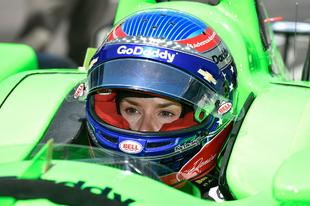 A versenyzőnő zöldben - Danica Patrick megkezdte hattyúdalát