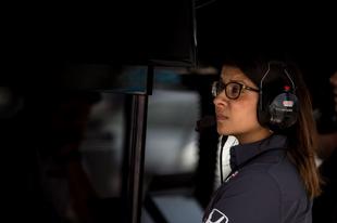 A Schmidt Peterson Motorsports kirúgta Leena Gade-et