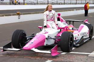Idén is lesz női versenyző az Indy 500 mezőnyében