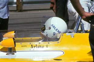 Az autóversenyzés női úttörője, akiről valószínűleg soha nem hallottál