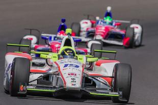 Előre lejátszott meccs volt az Indy 500 év újonca címe?