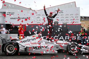 Power győzelmét hozta az IndyCar idegőrlő kanadai futama