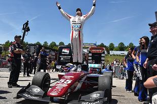 Nehéz döntést hozott a Schmidt Peterson Motorsports