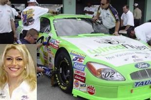 Angela's Motorsports – Avagy a sztriptíztáncosnő esete a NASCAR-ral