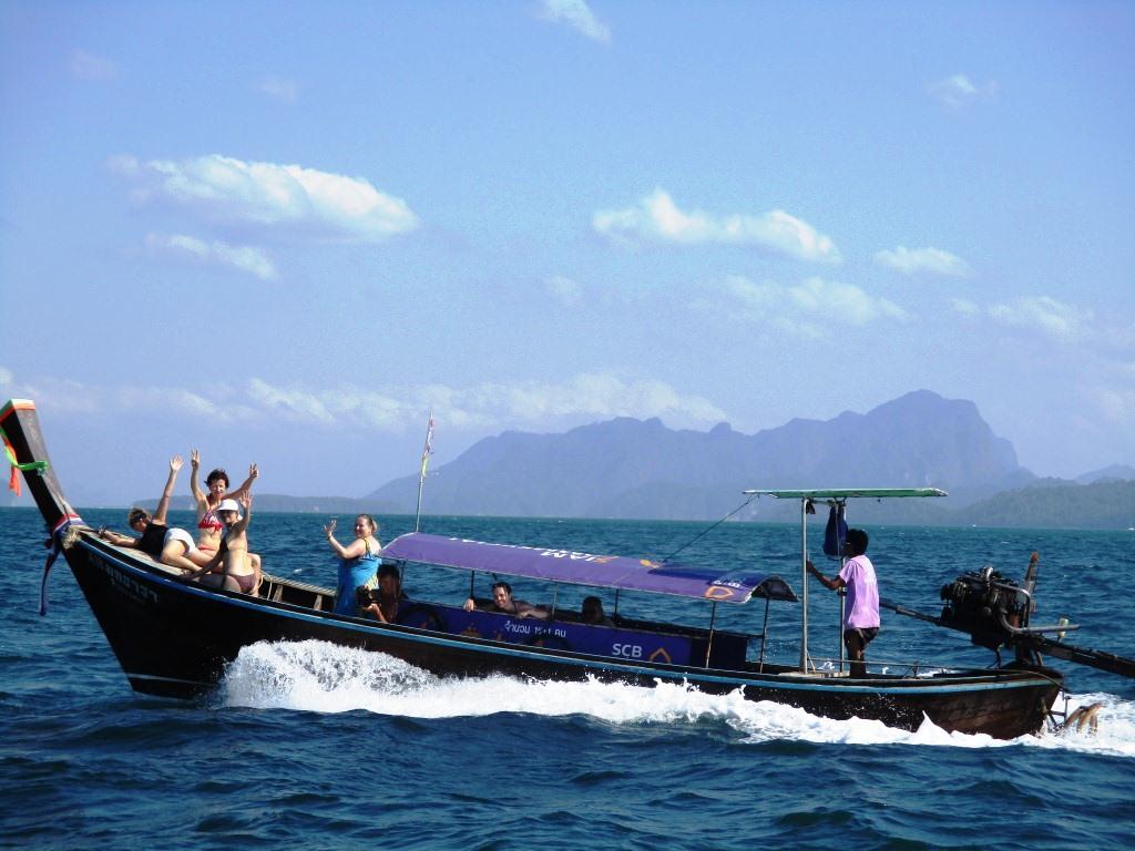 long-tale_boat.jpg