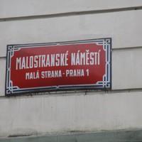 Kitekintő: ilyenek a prágai utcanévtáblák