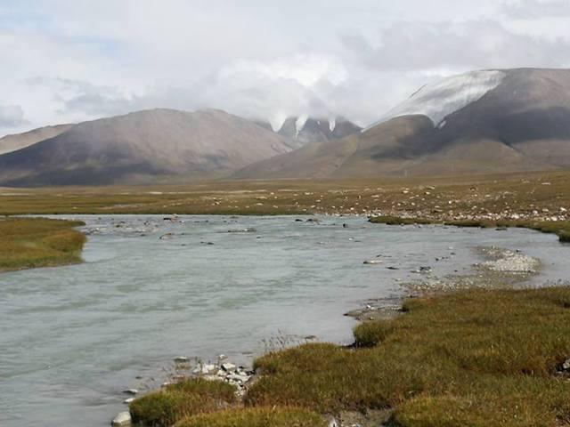 Kirgizisztán égig érő, mennyei hegyek birodalma